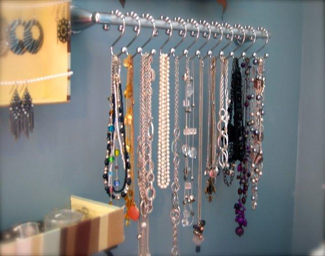 stojan na šperky