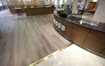 Vybírejte vinylové podlahy podle svého vkusu a preferencí. V nabídce jsou celoplošně lepené i plovoucí